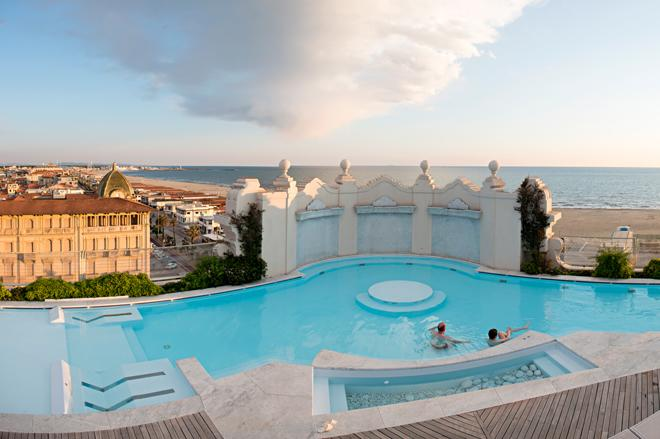 Principe di Piemonte-heated_pool_winter